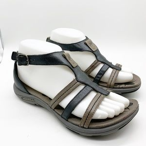 MERRELL STRAPPY TWO TONE LEATHER SANDAL SIZE 7